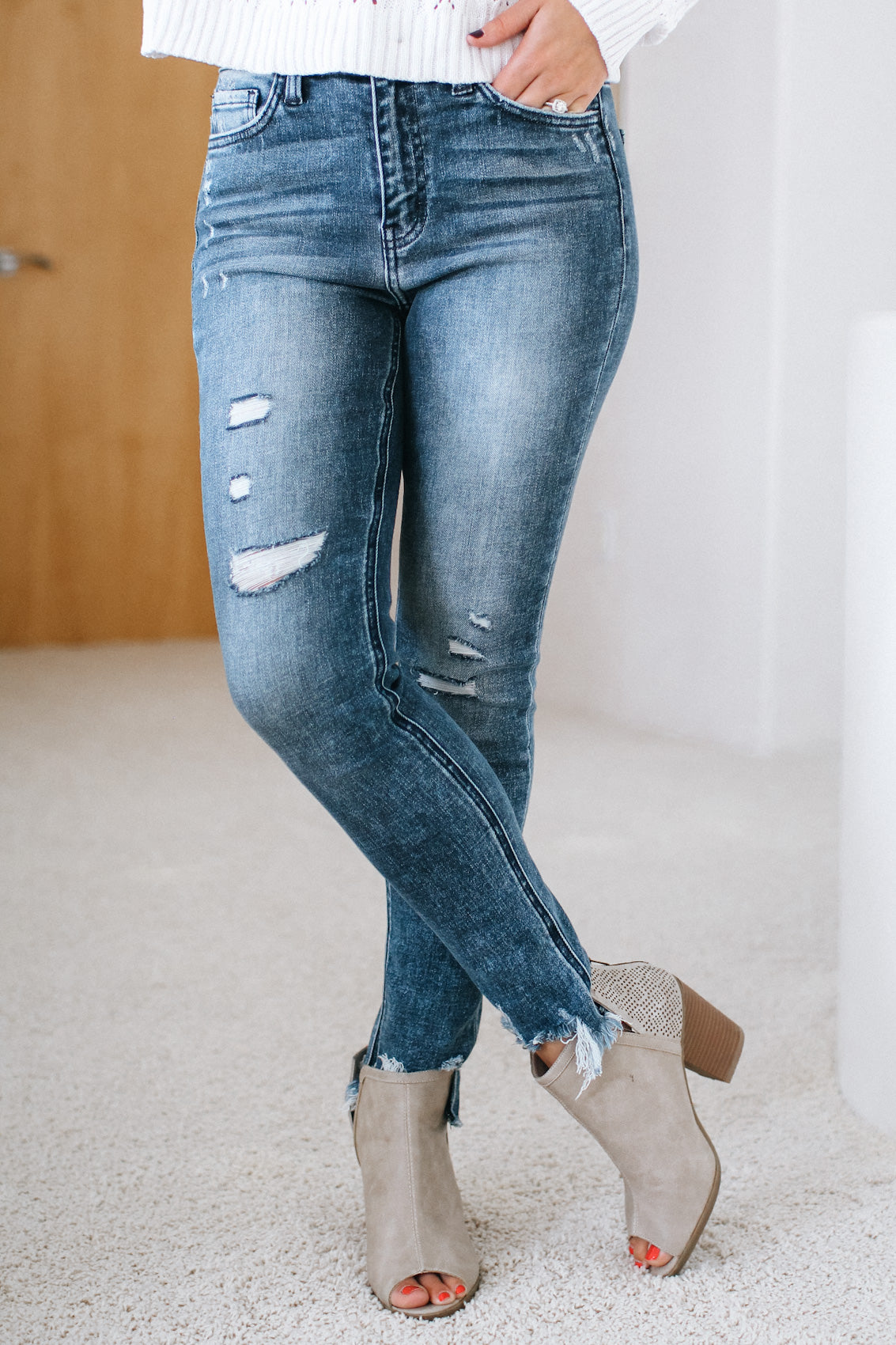 High Rise Burnout Wash Fray Ankle Skinny Jean