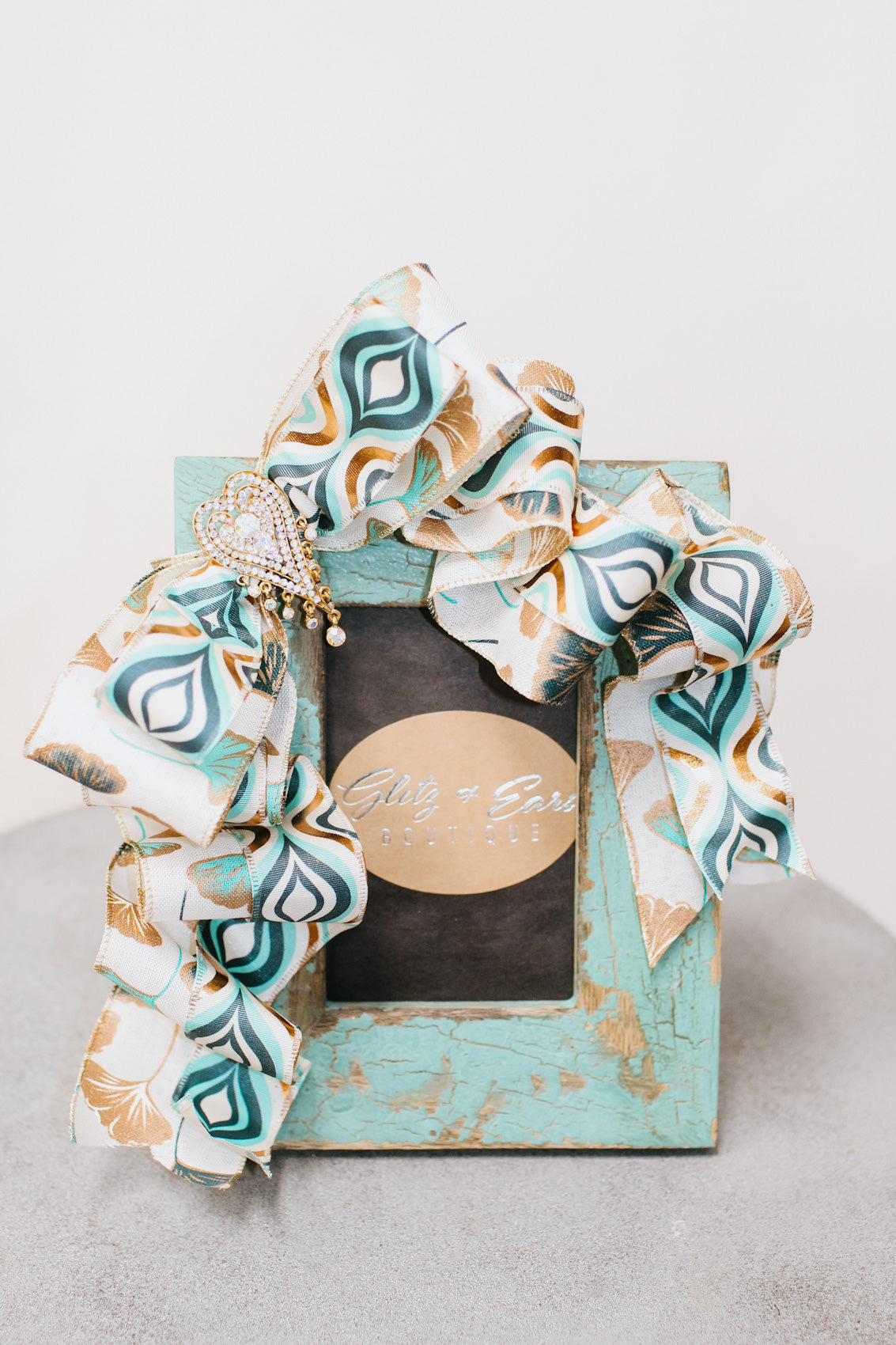 Pattern Ribbon Distressed Picture Frame