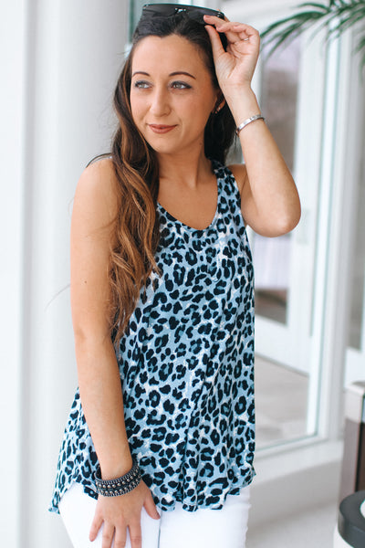 Rounded Hem Sleeveless Leopard Top