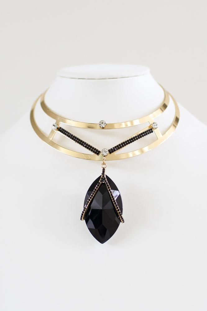 Large Metal Choker with Almond Pendant