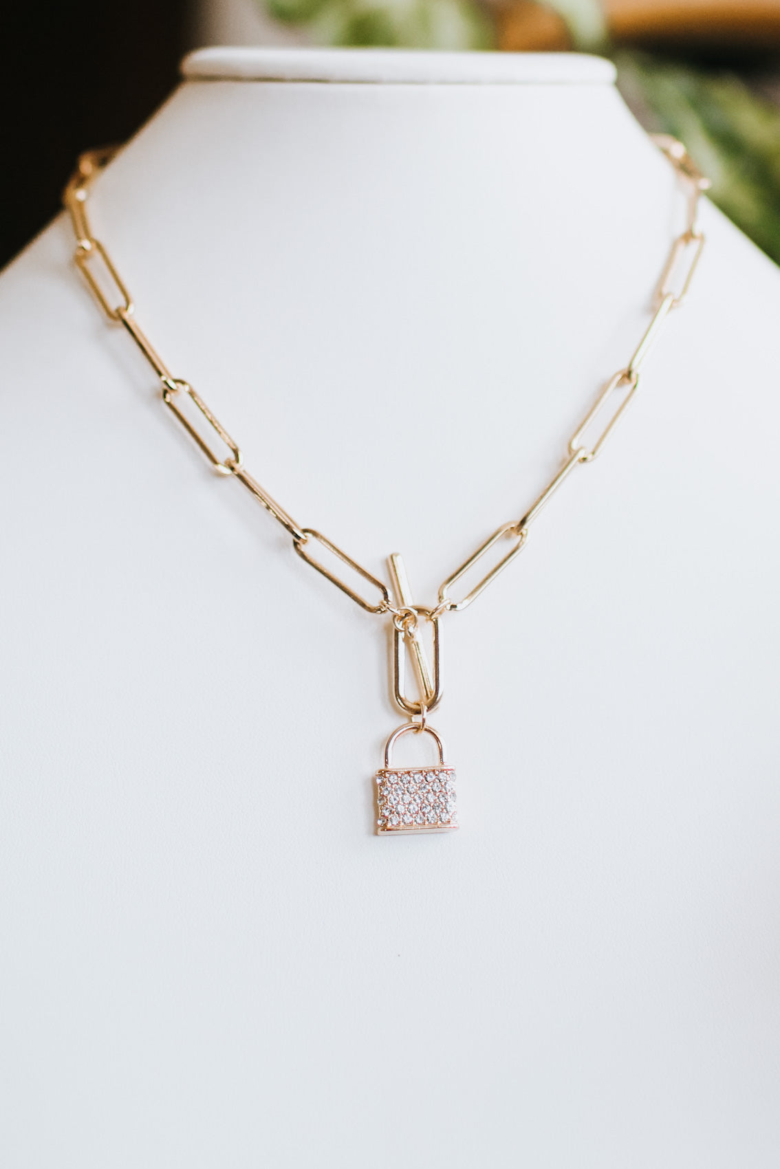 Narrow Link Rhinestone Lock Necklace