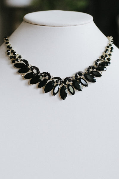 Rhinestone Arch Almond Necklace