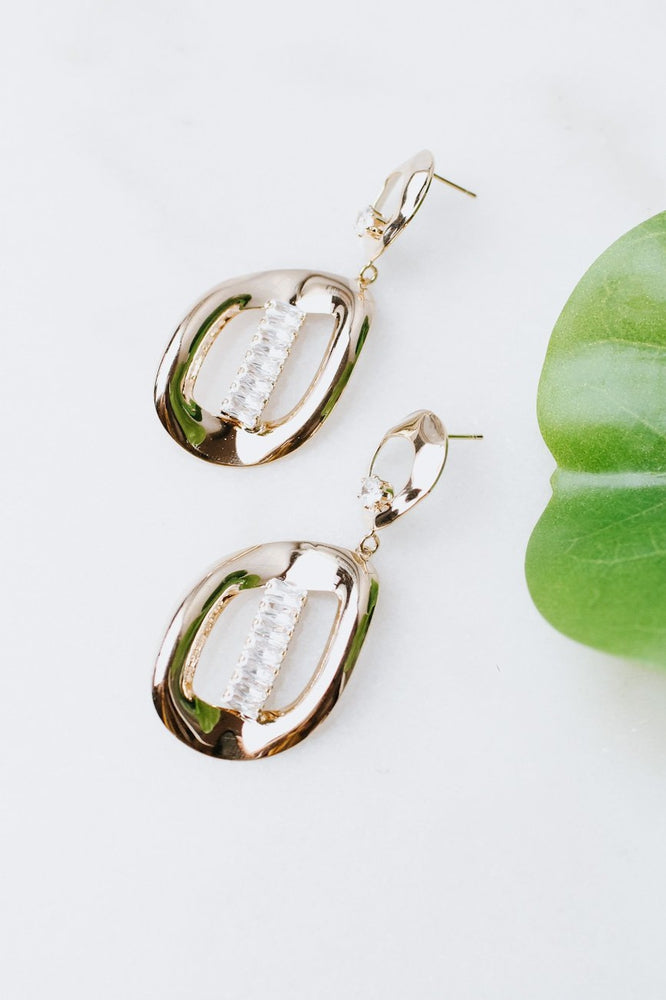 Thick Uneven Oval Baguette Row Earring