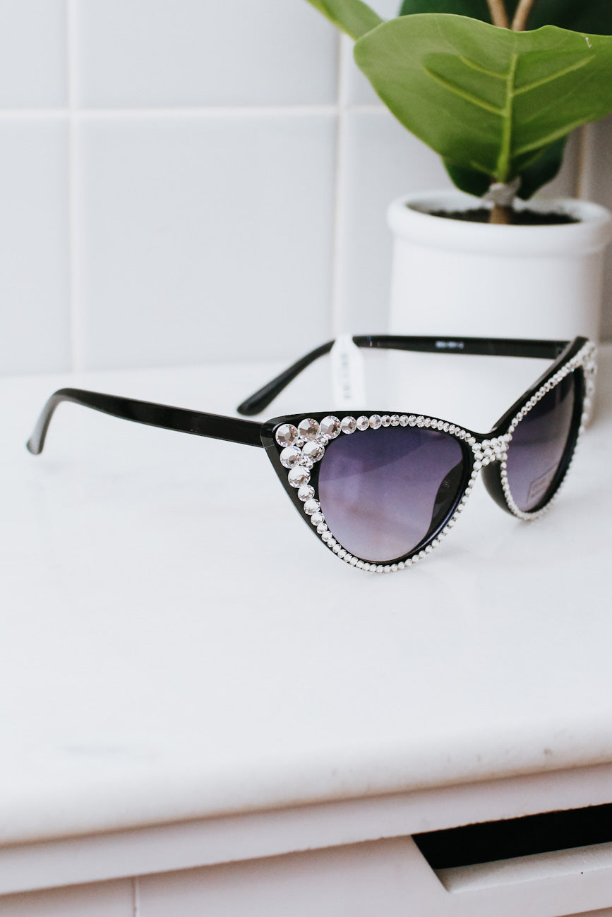Rhinestone Around Frame & Cateye Sunglasses
