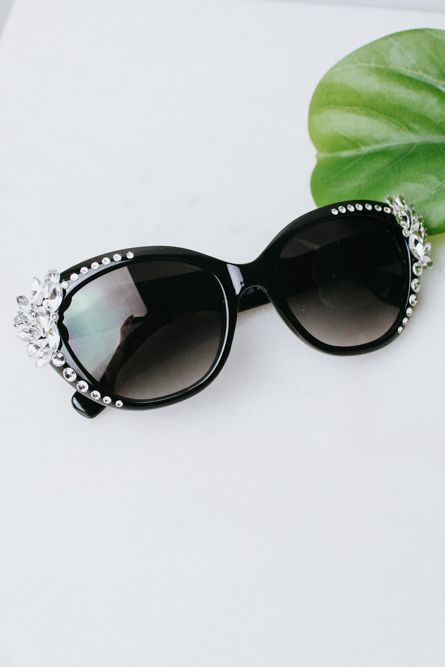 Almond & Teardrop Corner Sunglasses