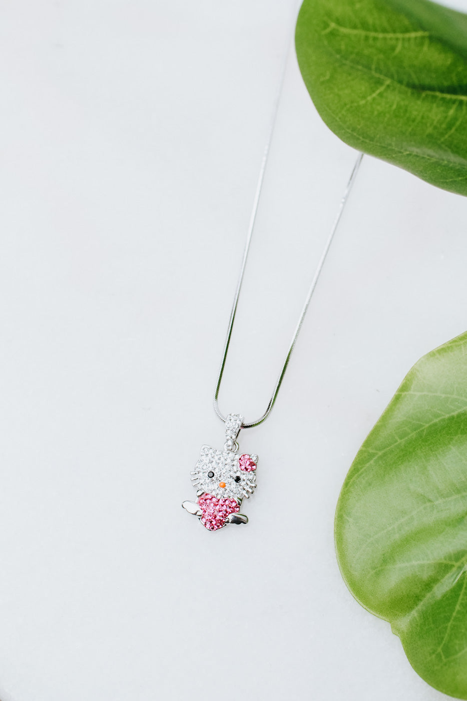 Hello Kitty Holding Heart Necklace