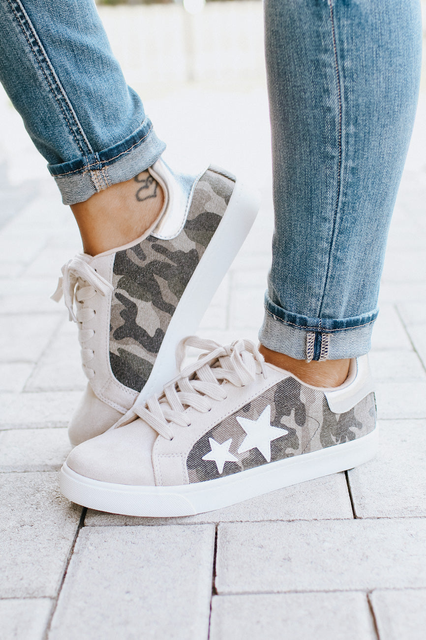 Camo & Star Print Tennis Shoe