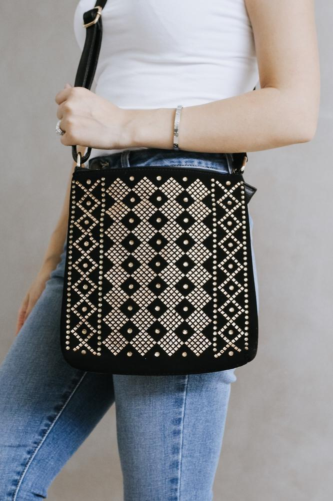 Topaz Diamond Design Messenger