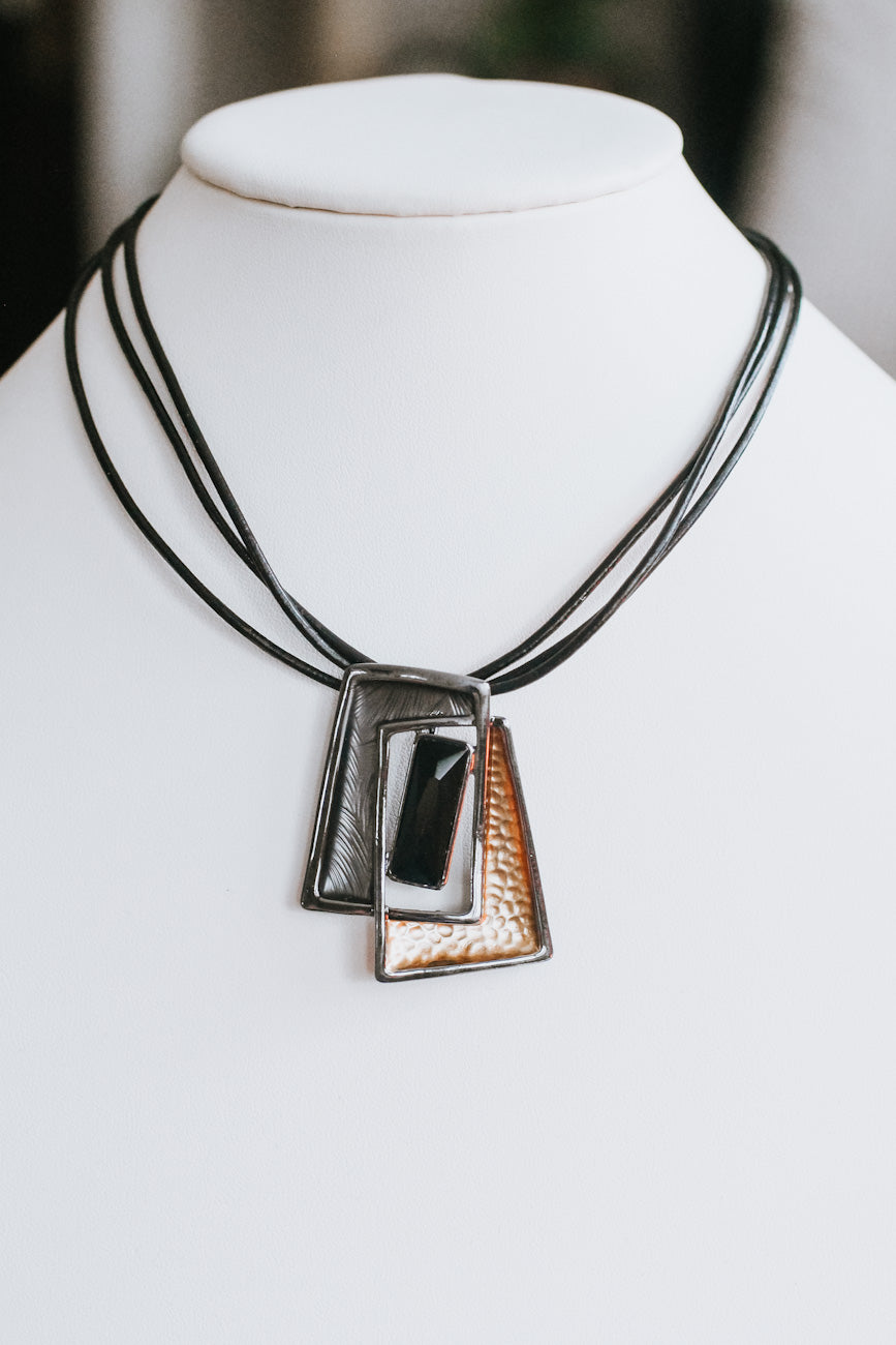 Two Tone Overlap Pendant Necklace