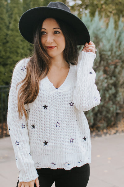 Embroidered Star Thick Knit V-Neck Sweater