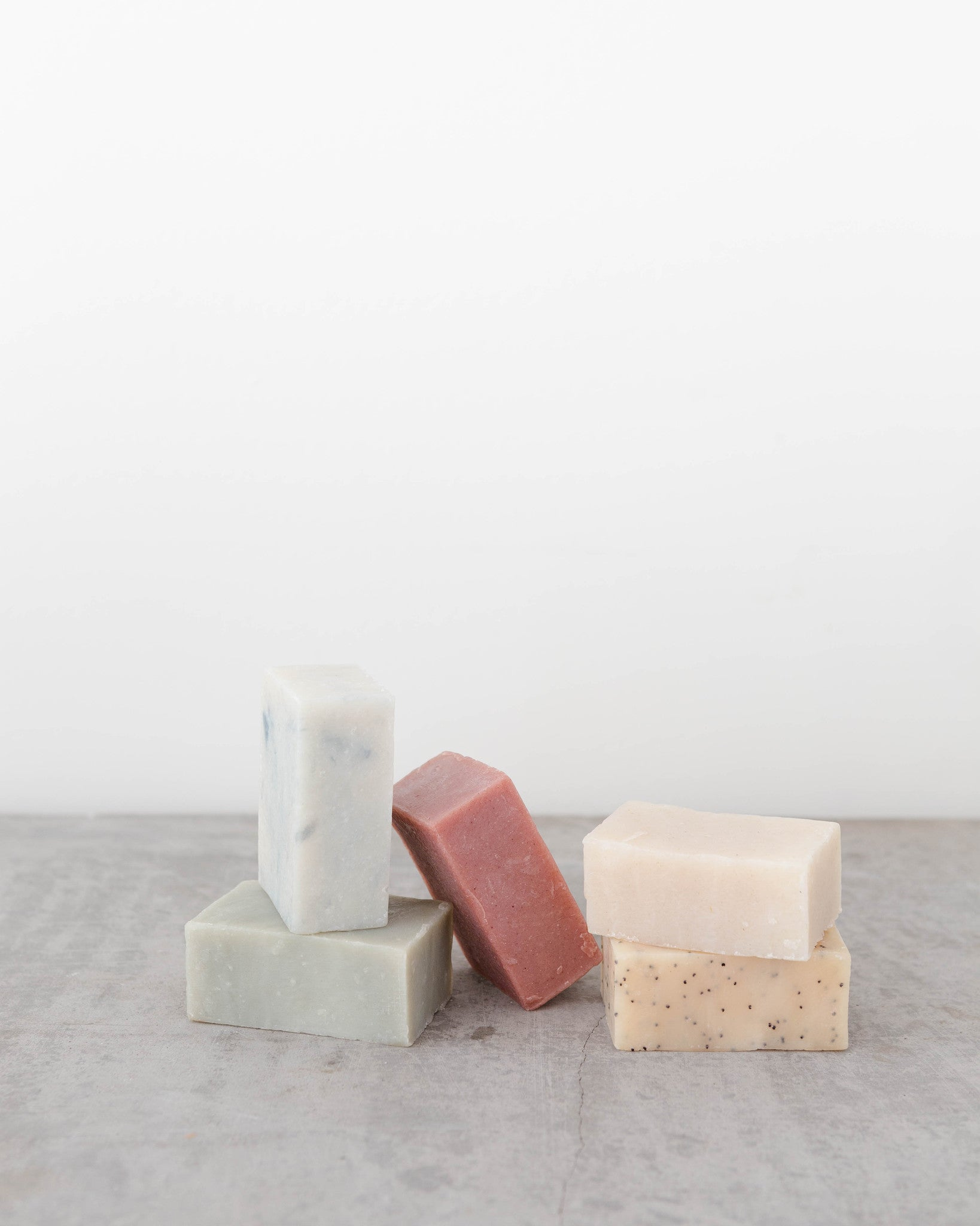 Inspired by where the fresh water pours into the fjord, this bar of soap is fantastically refreshing. Cooling peppermint helps soothe aching muscles, kaolin clay gives a silky smooth lather, and the added pumice exfoliates to leave your skin glowing.