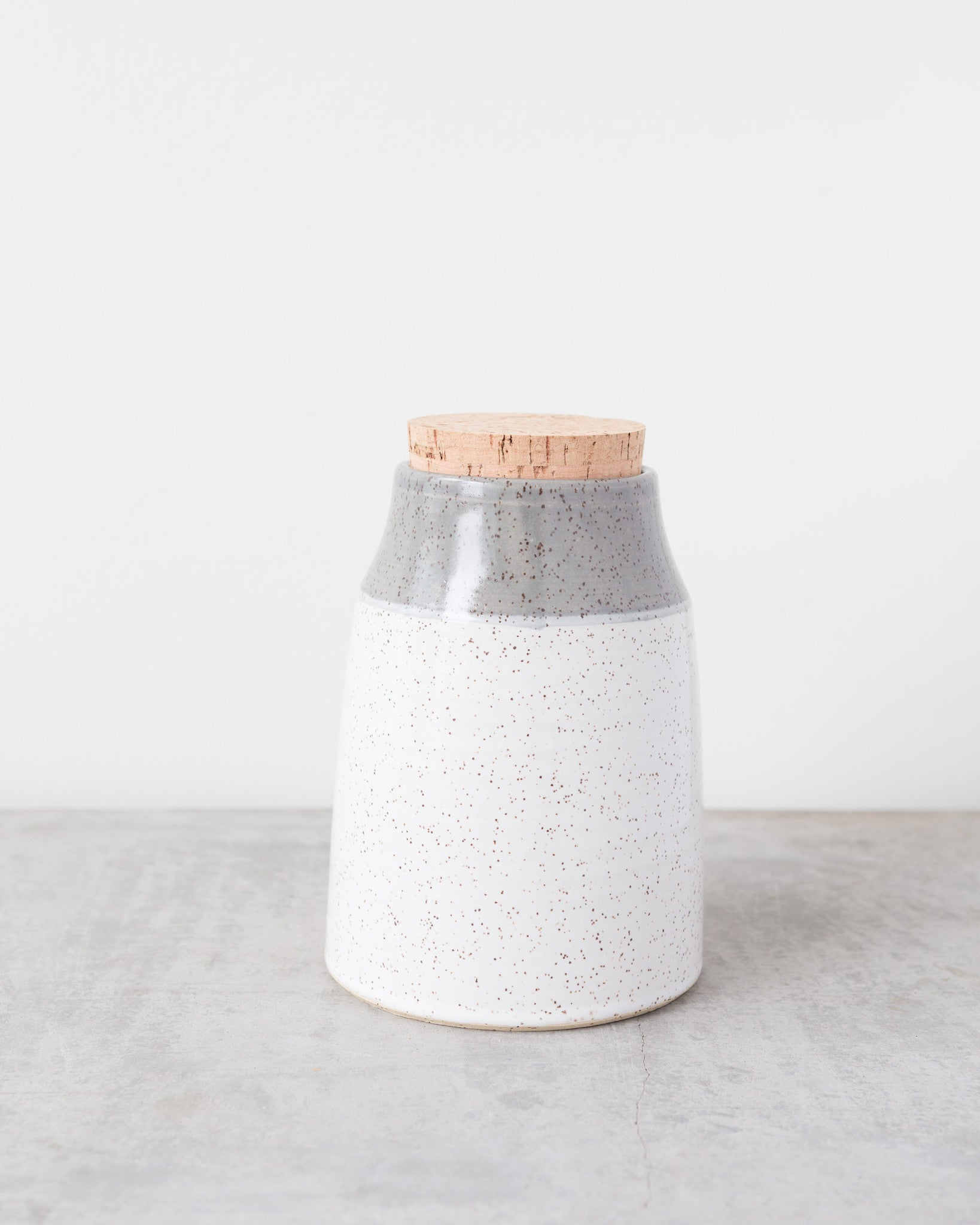 Dahlhaus Medium Dipped Canister in Light Grey