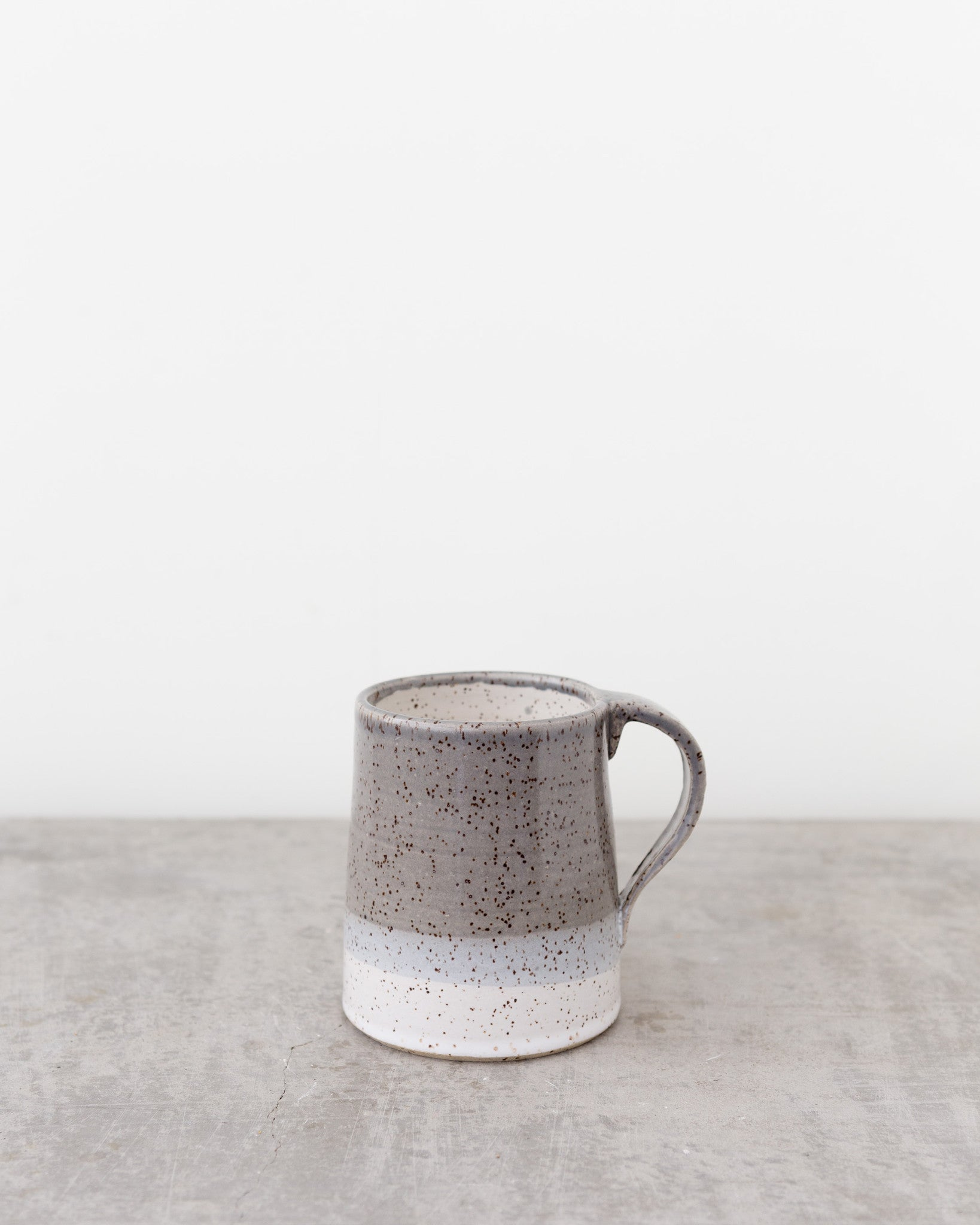Dahlhaus Dipped Speckled Mug in Grey