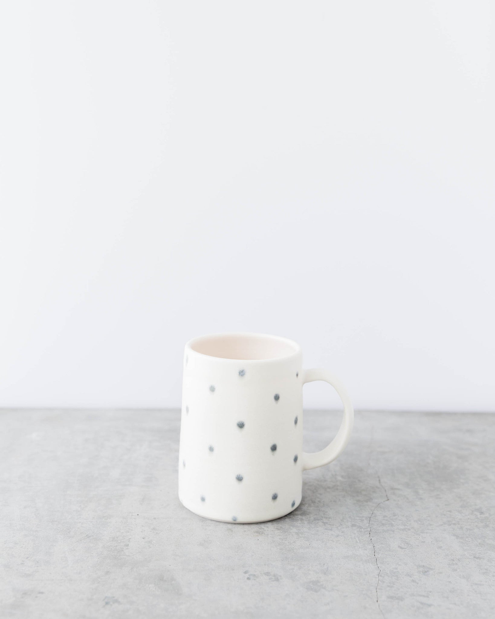 Dahlhaus Matte Glazed Mug Grey Dots