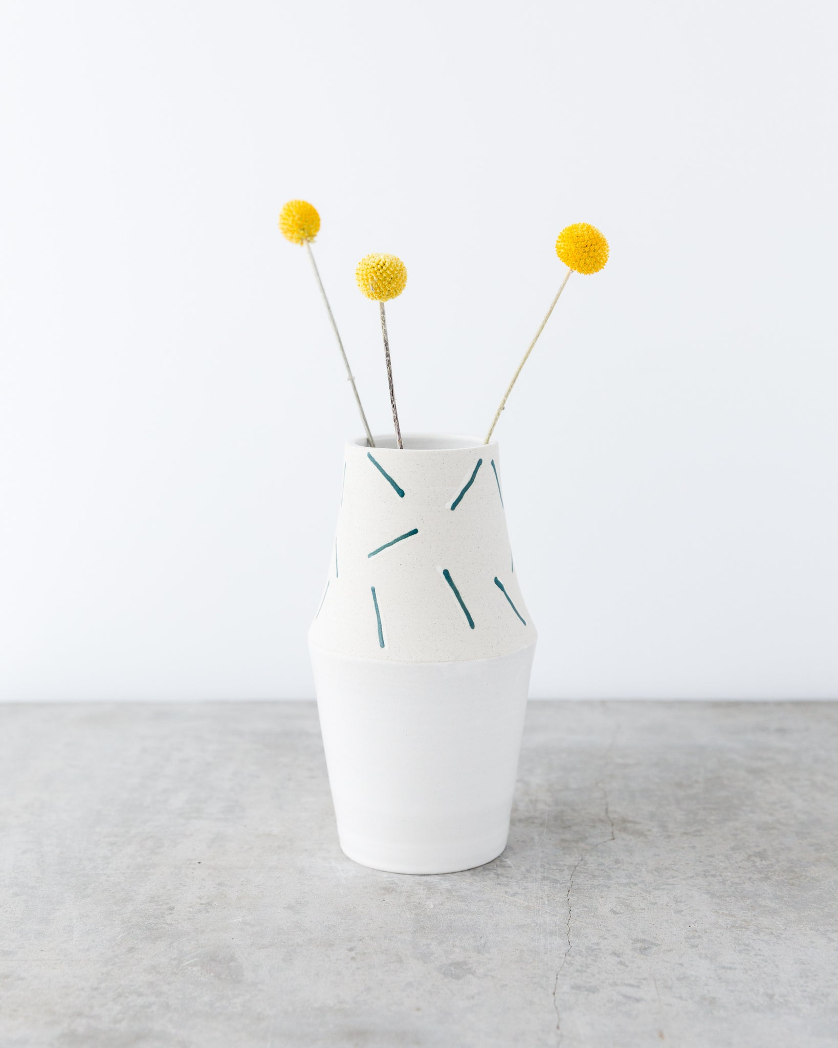 Mérida Anderson Tall Angle Confetti Vase in Cream