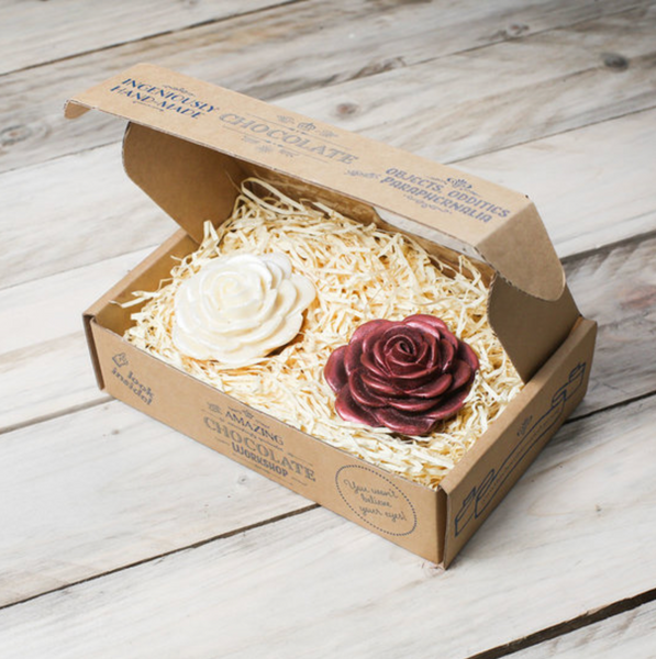 White & Red Roses Gift Box