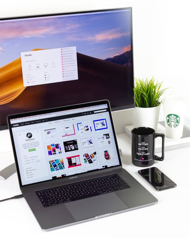 Working from home: minimalistic desk
