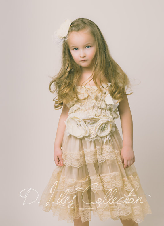Eloise Lace Dress in Vintage Beige