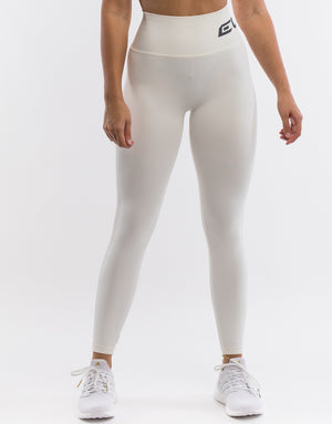 Arise Scrunch Leggings - White