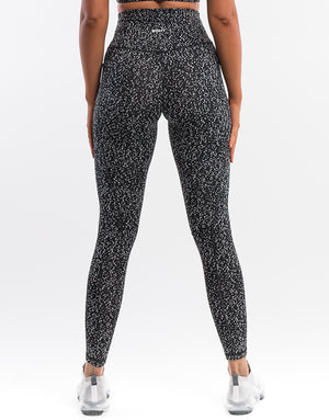 Echt Essentia Pocket Leggings - Black Dot