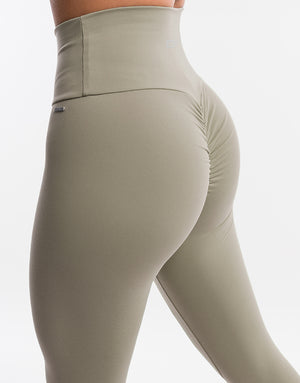 Echt Scrunch Leggings II - Sage