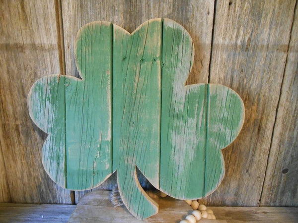 The St. Patrick's Day Rustic Shamrock Sign - Amazing St. Patrick's Day Decorations
