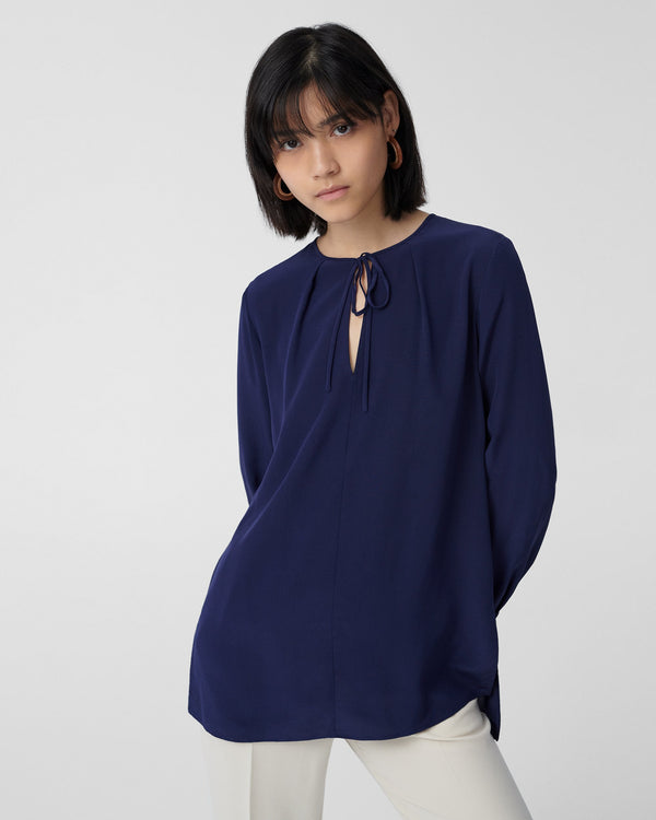 Ryleigh Silk Crepe de Chine Blouse in Navy