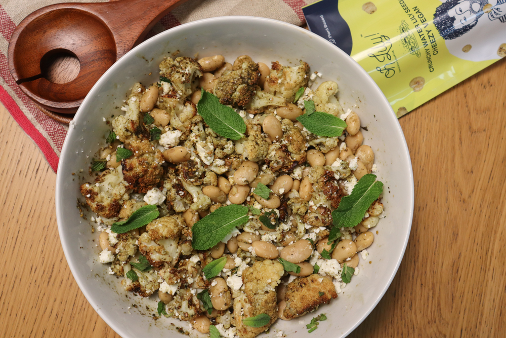 ENJOY A NUTRITIOUS AND TASTY SALAD : ROASTED CAULIFLOWER AND BUTTER BEANS