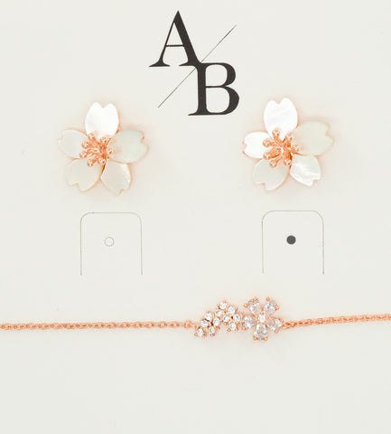 Korean earrings Cherry Bloom and Bracelet Cherry Flower are displayed on an accessory tag.
