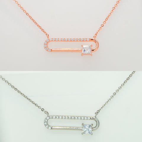 Color variation of Korean fashion necklace Clip-Shape in both Rose Gold and Silver on the white background.