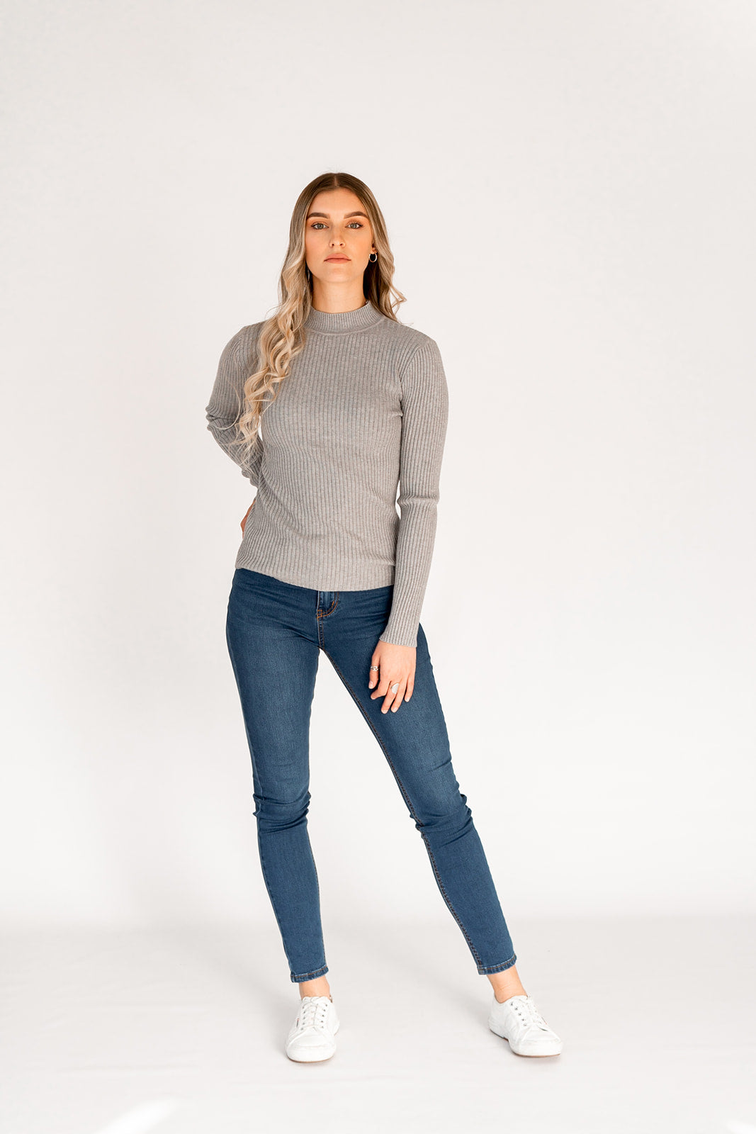 AVIVA RIBBED TOP - GREY