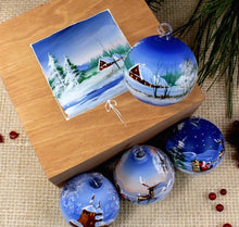 Load image into Gallery viewer, Christmas Baubles, set of 4