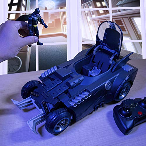 DC Comics BATMAN Launch and Defend Batmobile Remote Control Vehicle with Exclusive 10 cm Action Figure