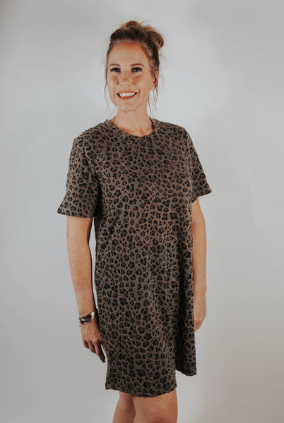 Cheetah babe t-shirt dress