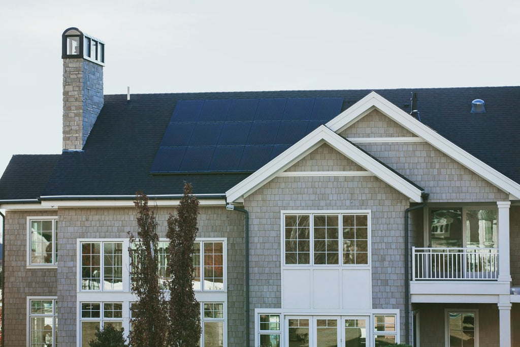are solar panels too heavy for a roof