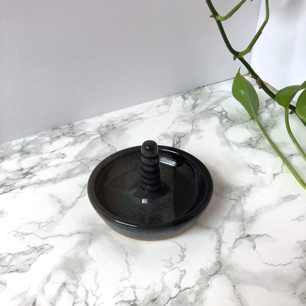 Ceramic Ring Holder