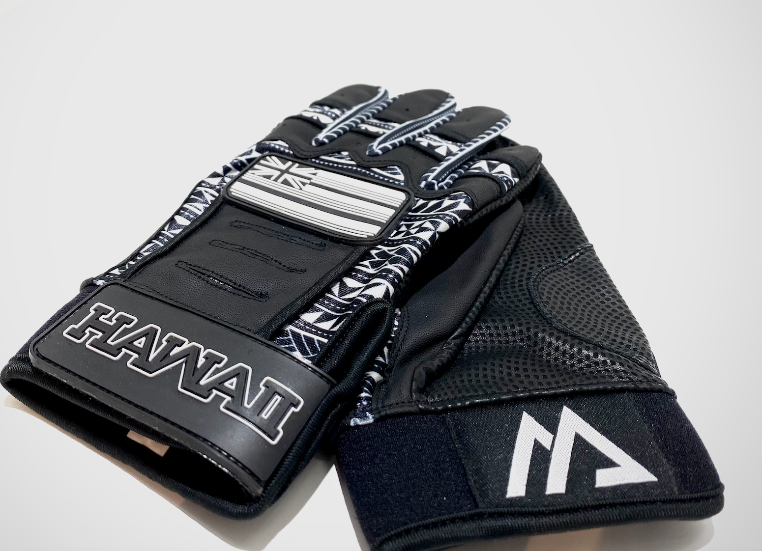 CLASSIC  BLACK & WHITE TRIBAL BATTING GLOVES