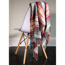 Load image into Gallery viewer, Auld Scotland Tartan Lambswool Blanket