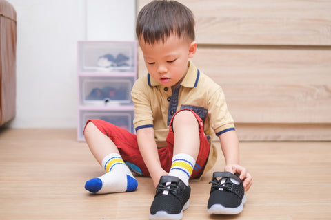 Toddler, Montessori dressing and undressing