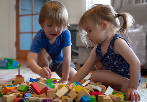 Help shy children learn how to play with other kids, shy toddlers, Montessori approach