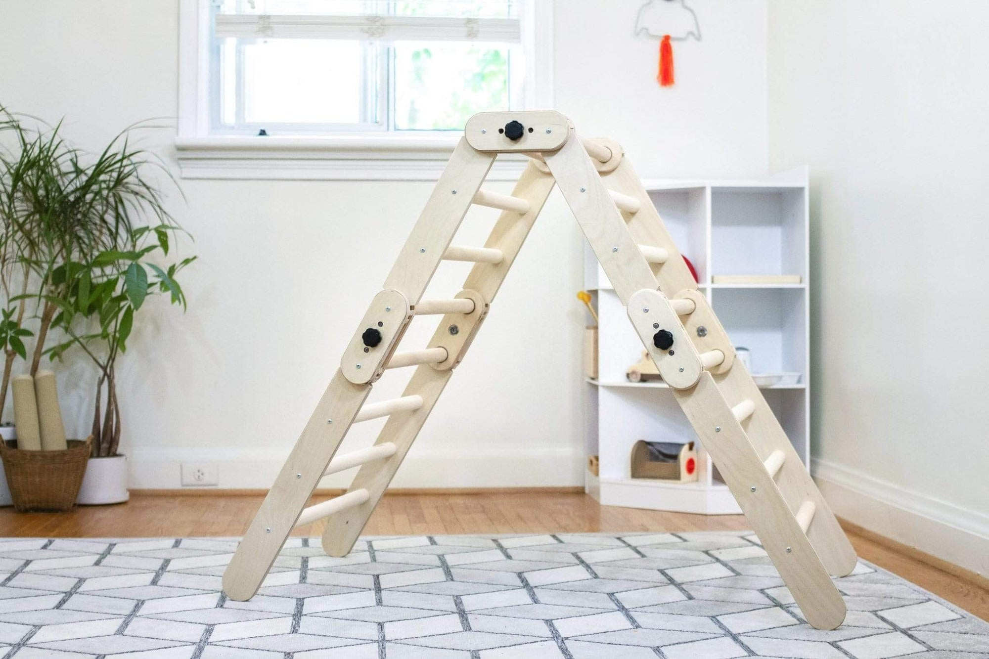 Multifold Climber - The Montessori Room
