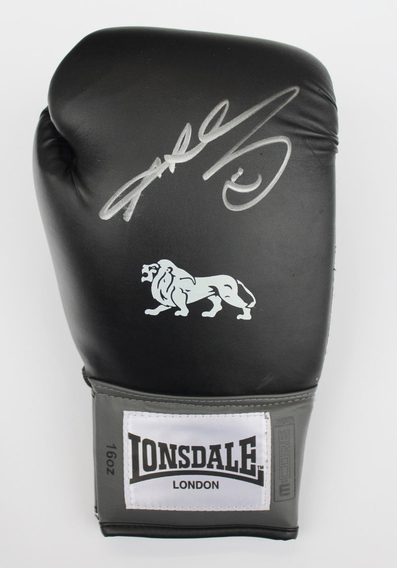 RAY LEONARD - SIGNED BLACK BOXING GLOVE - RIGHT HAND PORTRAIT SIGNATURE