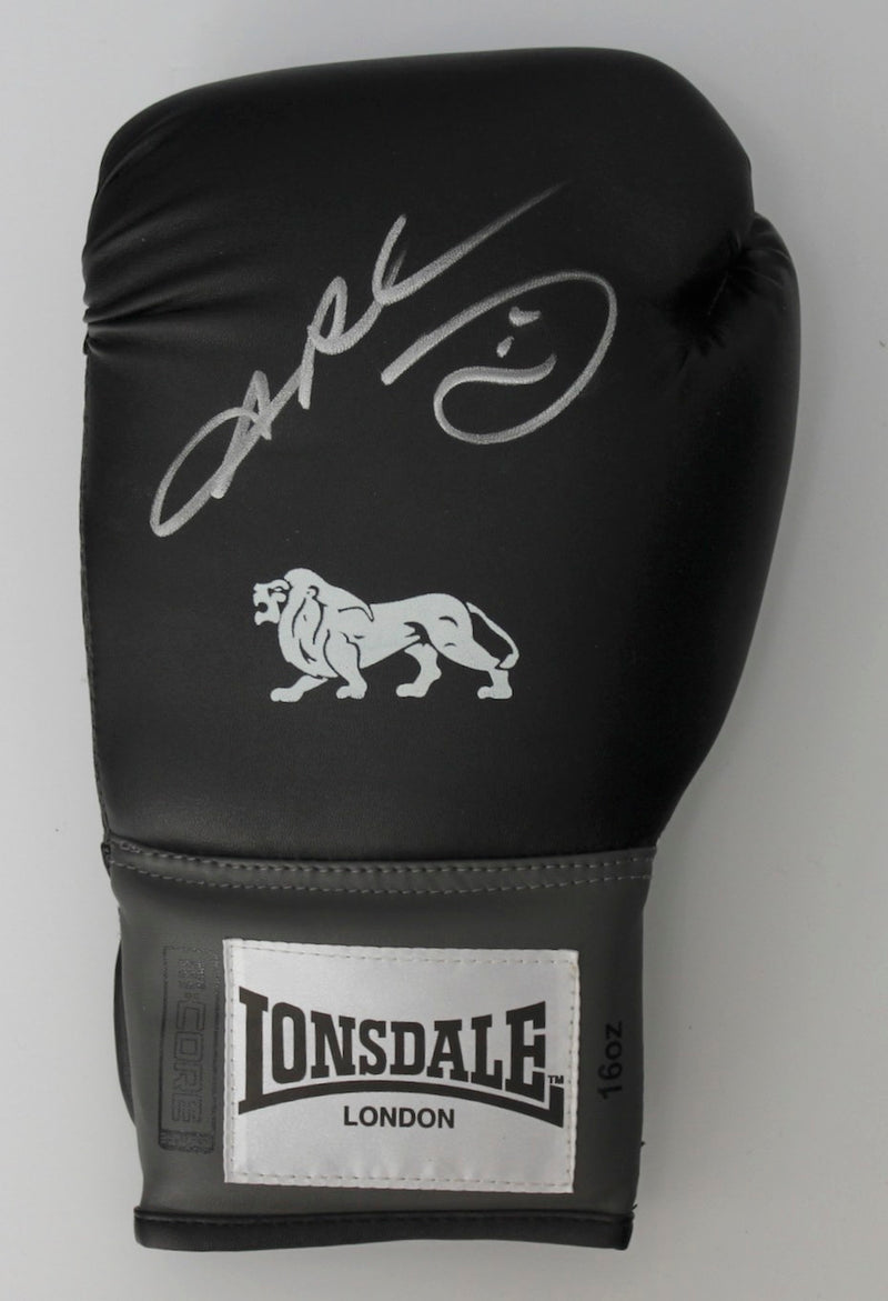 RAY LEONARD - SIGNED BLACK BOXING GLOVE - LEFT HAND PORTRAIT SIGNATURE