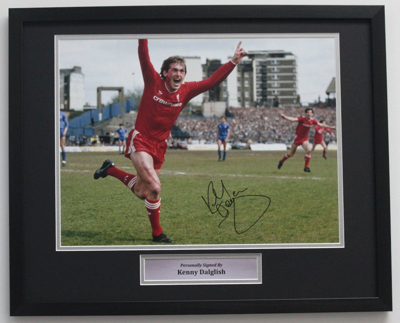 KENNY DALGLISH SIGNED PHOTO - LIVERPOOL CHAMPIONS 1985/86 - CLASSIC FRAME
