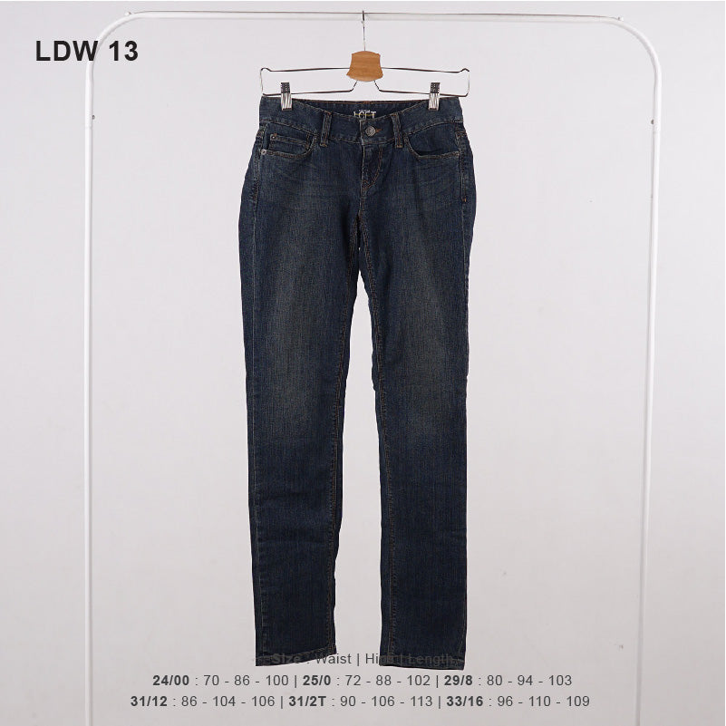 Celana Jeans Wanita - Curvy And Straigh Jeans Pants (MLL 15, LDW 13)