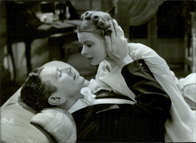 "Ingrid Bergman and Edvin Adolphson in movie ""En enda natt"" - Reprint"