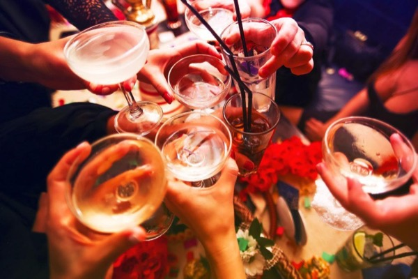 Low Carb Partying – What to Know Before Drinking Alcohol on the Keto Diet