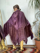 Load image into Gallery viewer, 1920s Purple Velvet Cape