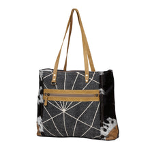 Load image into Gallery viewer, Sheree Oversized Tote