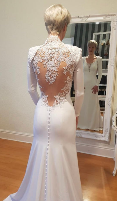 Ivory crepe wedding dress using stretch ivory crepe Compassion 2